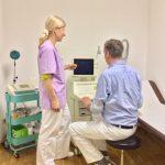 Herr und Frau Dr. Geyer am Ultraschallgerät