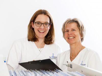 Andrea Thiel und Sabine Houlihan